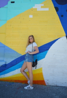 sophia posing wall edit